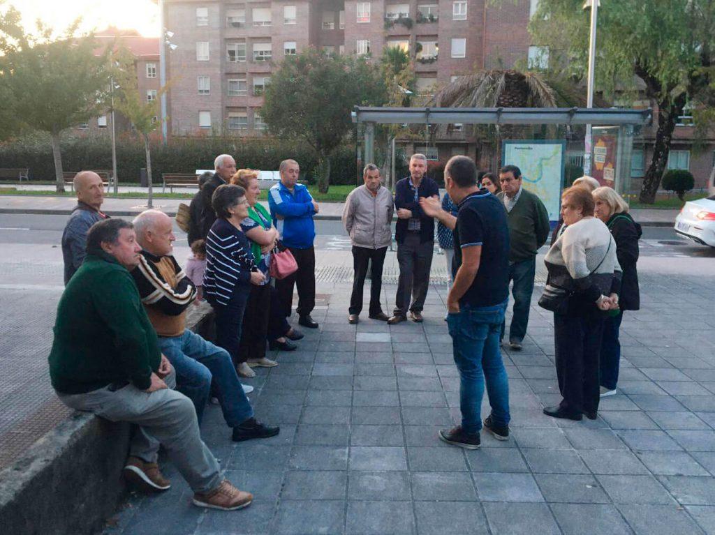 Rafa Domínguez se reúne con vecinos de Monteporreiro