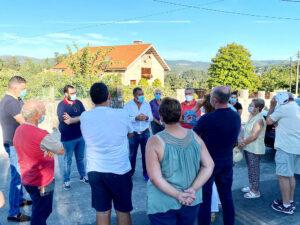 Reunión con vecinos de las parroquias de Pontevedra para hablar sobre el saneamiento