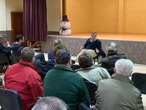 Rafa Domínguez se reúne con vecinos de Campañó
