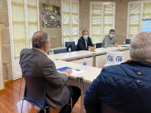 Reunión con comerciantes y empresarios de la Calle Reina Victoria en Pontevedra